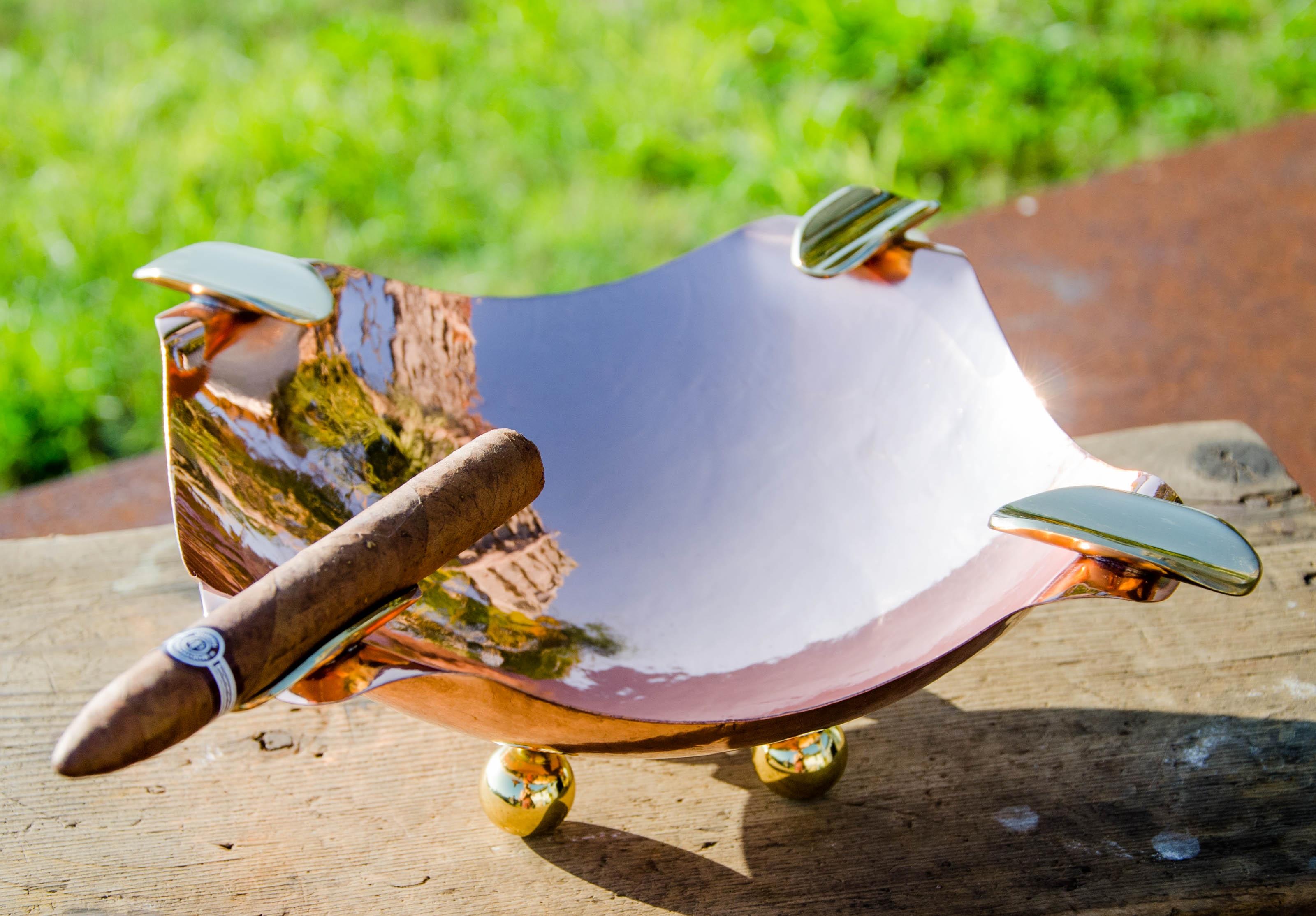 The Quantum Ultra Cigar Ashtray - Pure Copper & Brass